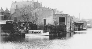 Trambootje bij werf Cornelissen, Prinseneiland zuidkant